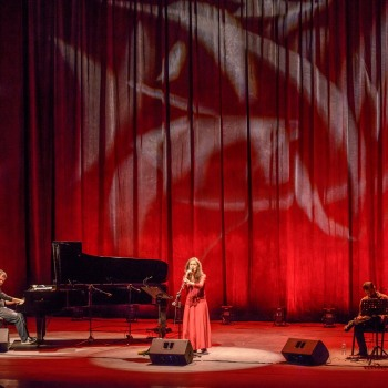 Online πρεμιέρα το Μ. Σάββατο με τη συναυλία της Σαβίνας Γιαννάτου στο Πολιτιστικό Συνεδριακό Κέντρο Ηρακλείου